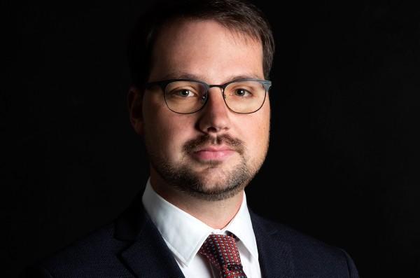 Adriano Alari, avvocato